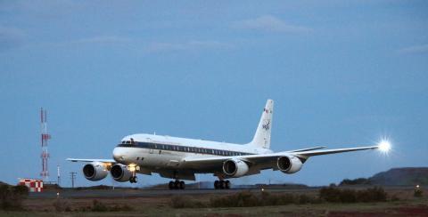 NASA DC-8 Returns from the Hamilton Line mission (pole hole East)